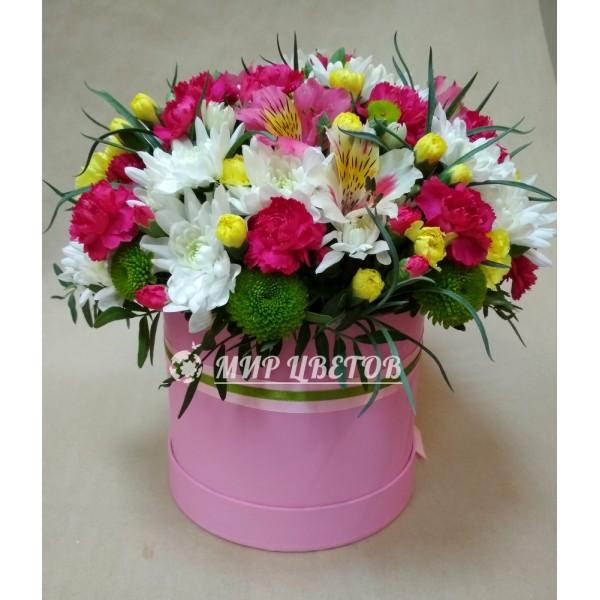 Коробка шляпная с цветами микс