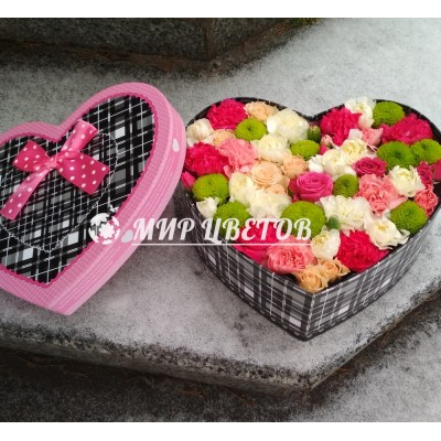 Коробка Сердце с цветами