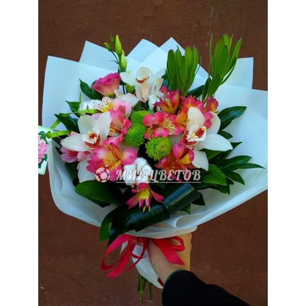 Букет с орхидеями Легкость