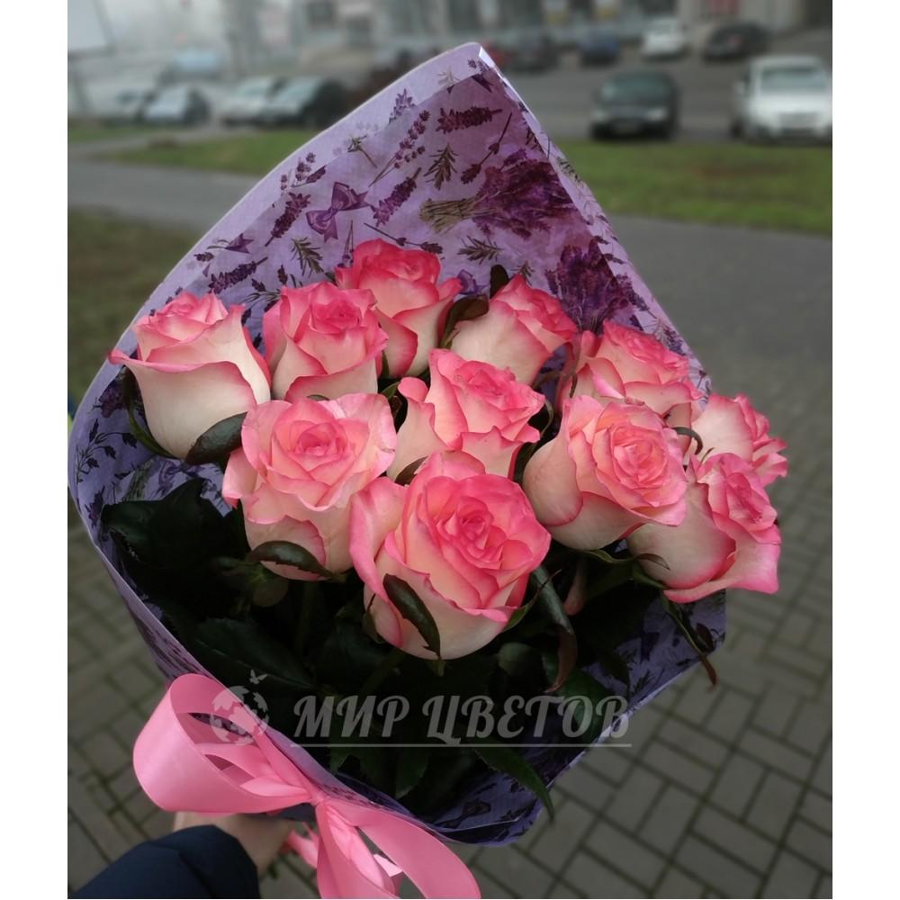 Букет 11 розовых роз сорта Джумилия