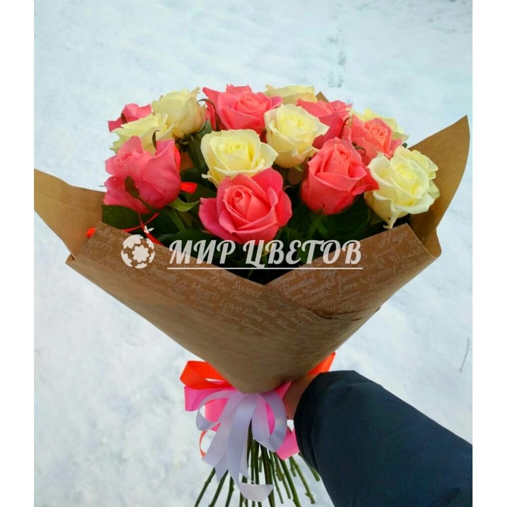 Букет 15 Белых Розовых роз