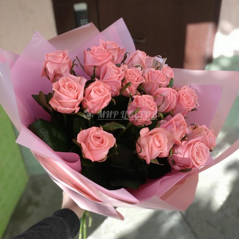Букет 19 розовых роз 80см в кальке