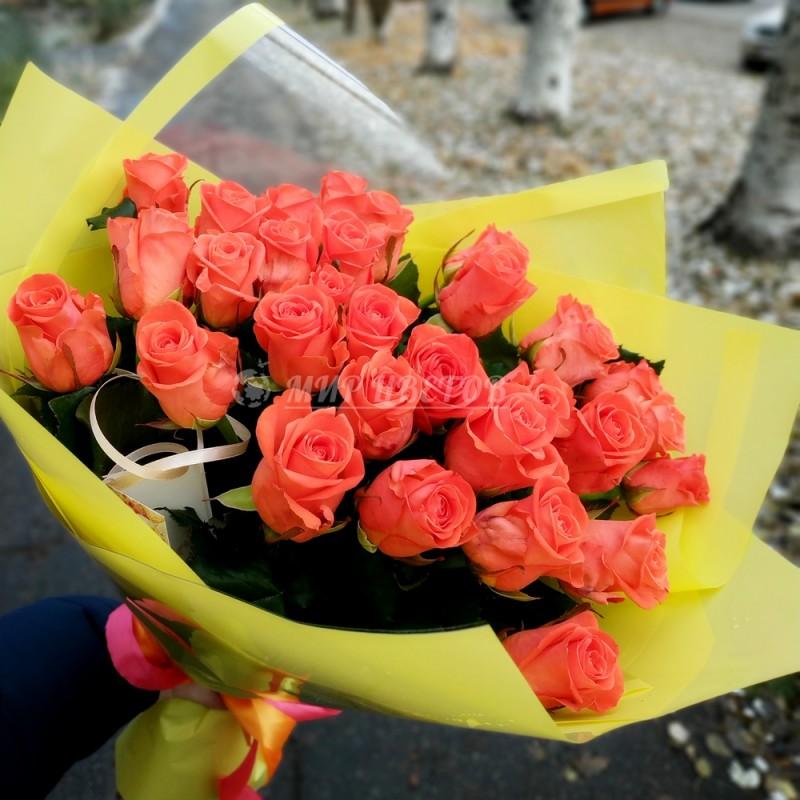 Букет 25 коралловых роз