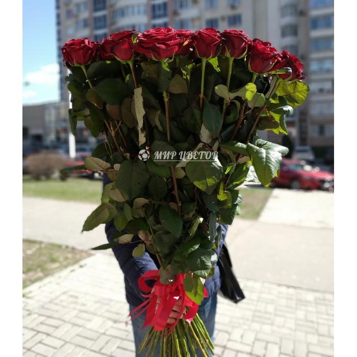 Букет 55 красных метровых роз