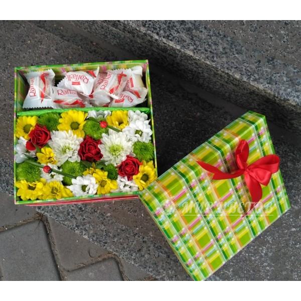 Коробка цветами и рафаэлло