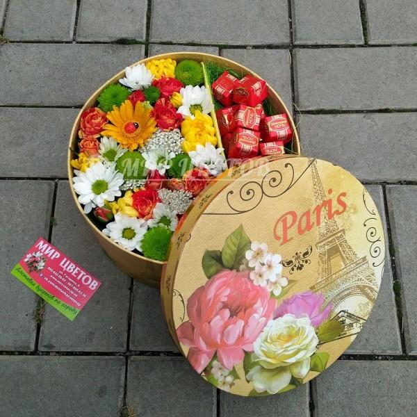 Шляпная Коробка с цветами и конфетами