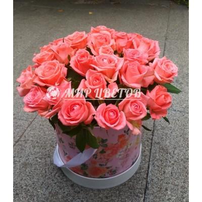 Коробка круглая с розами flowerbox