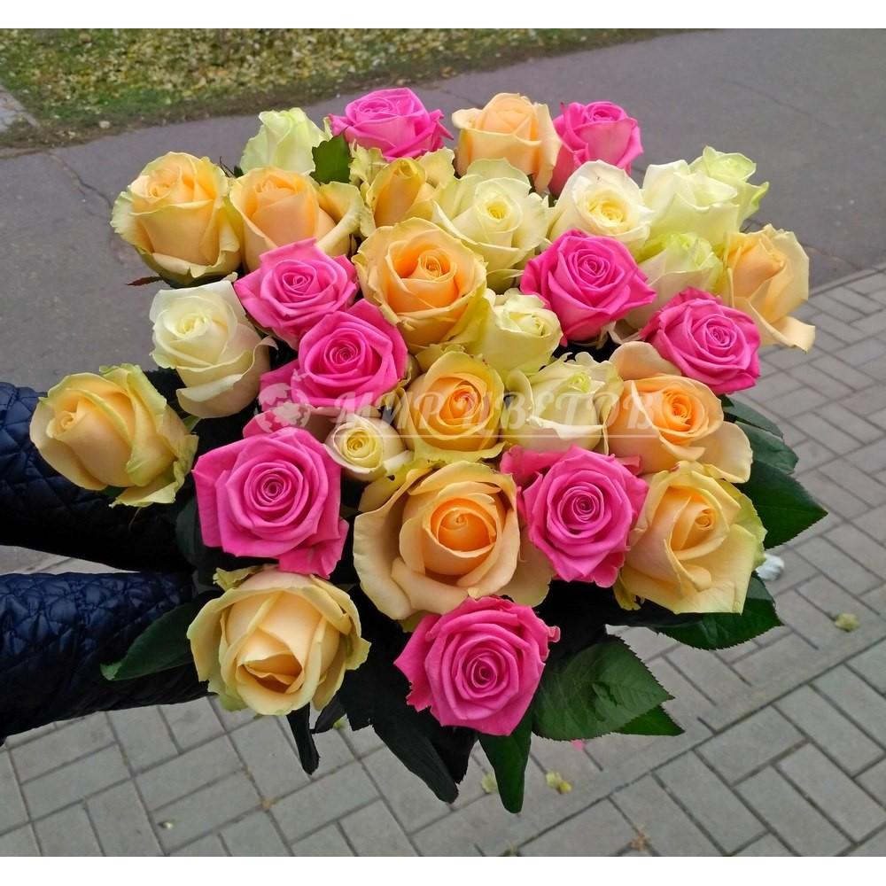 Букет 31 роза микс